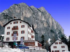 hotel-passo-falzarego.inverno